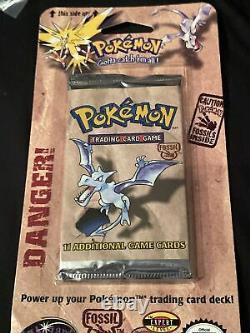 Pokemon Fossil Blister Booster Pack Lapras art WOTC 1999 Rare Pack Sealed